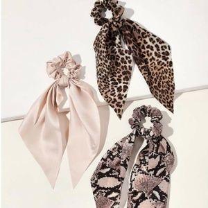 Accessories - Last One! 🚨 Animal Print  Scrunchie Bow Set